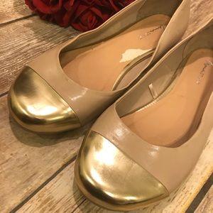 ❤️Lane Bryant Cream Gold Flats Size 12 ❤️